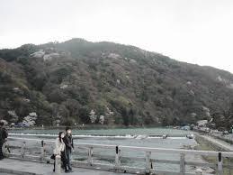 春桜の京都旅行04 嵐山到着桜満開夕暮れの嵐山 ムラウチドットコム