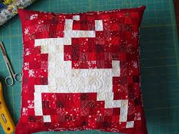 158 best Quilts - Christmas images on Pinterest | Kerst, Xmas ... & Sunshine in the Attic: CHRISTMAS CORNER Adamdwight.com
