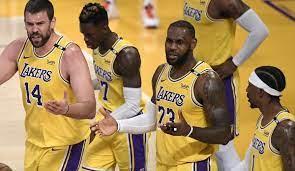 We are #lakersfamily 17x champions | want more? Nba Playoffs 5 Fragen Zum Playoff Aus Der Los Angeles Lakers Geht Das Titelfenster Schon Wieder Zu