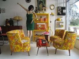 A cool store with awesome retro collectables: Old Values. Love this picture  of inspiration found at their website.