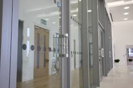 5 things to consider when installing fire rated glass screens doors