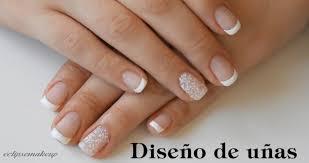 Te presentamos los diseños de uñas francesas con tonos rosas, ideales para mantener la discreción y la femineidad de forma clásica. Diseno De Unas Francesa Con Estampacion Manicuravip Com