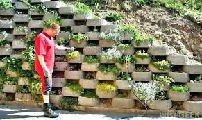 cinder block retaining wall garden building a retaining wall with cinder blocks building a retaining wall cinder block retaining wall garden