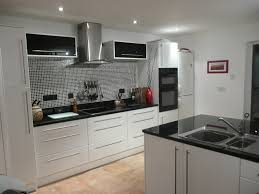 Glazed White Kitchen Cabinets White Kitchen Cabinets With Silver Glaze Quicuacom