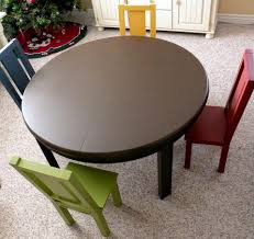 aged to perfection 5 pc solid wood kids round table and