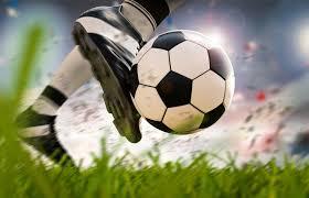 Resultado de imagen para pateando al arco de futbol