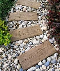 10 Stunning DIY Rock Pathway Ideas 8