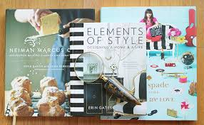 styling organizing coffee table books