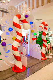Candy Cane Theme Decorations Interior Design New Candy Cane Theme Decorations Design Ideas 39