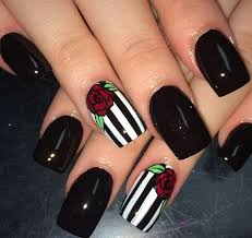 Pin by Marie-Pier Dubé on 《Nails》 | Pinterest | Goth nails, Make ...