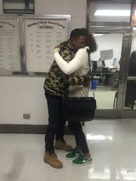 gianni s photo essay kenwoodphotoessays seniors evan williams and patience wheatley embrace each other in the hallway