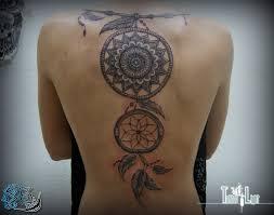 ловец снов и мандала на спине фото татуировок