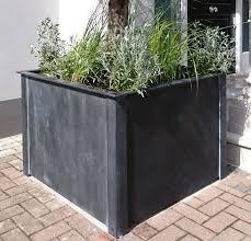 planters garden requisites