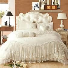 elegant bedding set luxury lace edge princess cream colored wedding bedding set satin jacquard bedclothes romantic elegant elegant king size bedding sets