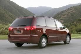 Toyota Recalls Sienna Minivans Over Rollaway Risk | CarComplaints.com
