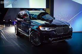 Video The New Bmw X7 And A Demo Of Third Row Seating Bmw X7 New Bmw Bmw