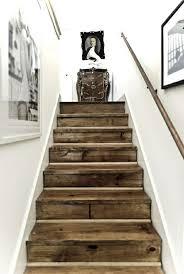 Schöne treppen bestimmen den charakter eines hauses. Die Treppe Dekorieren Ideen Mit Farbe Tapetenresten Wandsticker