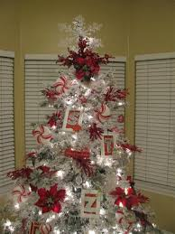 37 Awesome Silver And White Christmas Tree Decorating Ideas Red Silver And White Christmas Tree