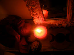 rituel vaudou Pour attirez L'argent avec la grande bougie vaudou