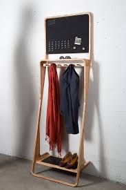 Upright Coat Rack Leaning Loop Console Multifonction Par Jason Van Der Burg Rack 84