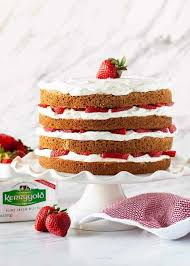 Strawberry Layer Cake Garnish With Lemon