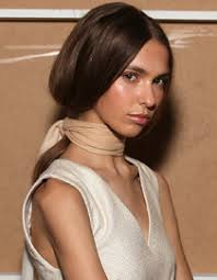 5 Rychlých účesů Pro Dlouhé Vlasy