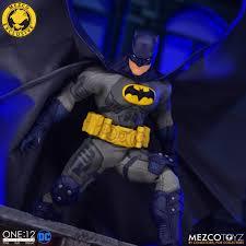 One:12 Collective Batman: Supreme Knight - Darkest Dawn Edition | Mezco Toyz