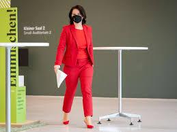 Annalena charlotte alma baerbock (born 15 december 1980) is a german politician and the chairwoman of the alliance 90/the greens. Annalena Baerbock Kanzlerkandidatin Der Grunen Nimmt Die Helfenden In Den Blick Politik
