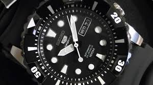 2s time seiko snzj19k2 men s diver watch black rubber strap 2s time seiko snzj19k2 men s diver watch black rubber strap black dial watch