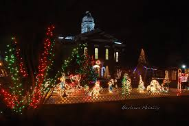 Christmas Lights House Synchronized Music This Is Only One Portion Of The Synchronized Music And Light