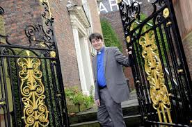 Former film studio intern thriving in role as Cairo Street Unitarian Chapel  minister   Warrington Guardian