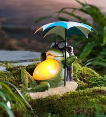 solar sunbathing frog garden accent
