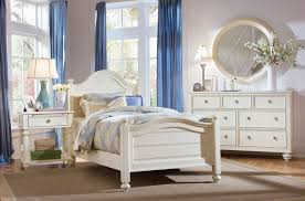 Affordable White traditional bedroom furniture | Ediee Home Design