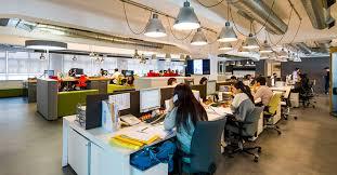 Tentunya staff adminsitrasi ini memiliki tugas tersendiri agar pekerjaan di perusahaan bisa terlaksana dengan baik. Inilah Tugas Utama Staff Back Office Yang Wajib Anda Ketahui
