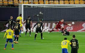 Partidos de hoy: Cádiz 2-1 Barcelona, resumen, resultado y goles del partido  por LaLiga Jornada 12