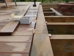 Pose Des Lames 2 Me Pisode Construire Sa Terrasse En Bois Sur Profil Pour Finition Terrasse Bois