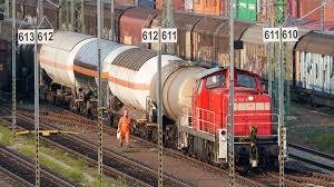 Die deutsche bahn organisiert ihren personennahverkehr über die db regio ag. Bahnstreiks Haben Begonnen Gdl Legt Guterverkehr Lahm Zdfheute
