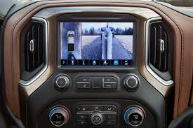 Pickup Truck Technology Increases Trailer Visibility