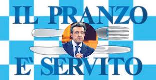 Flavio Insinna alla conduzione de Il pranzo è servito