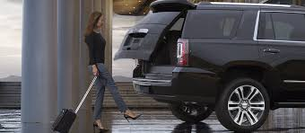 2018 gmc 3 4 ton. exellent gmc image of a woman using the convenient handsfree liftgate available for 2018  gmc inside gmc 3 4 ton