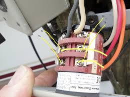 i am trying to wire a leeson a4c17dh4h to my boat lift controller full size image