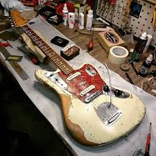 17 best images about guitar fender bass johnny jaguar johnny marr chevalet vibrato omv et string tree