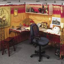 how to decorate office cubicle. Here Are Some Wonderful Examples Of How People Have Personalized Their Cubicles: To Decorate Office Cubicle B