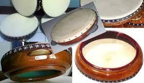 Alat musik ini berbentuk menyerupai kendang dan terbuat dari kayu yang dilubangi tengahnya. 50 Traditional Musical Instruments From Various Regions In Indonesia