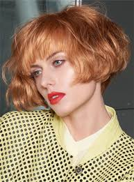 短いふわふわのボブの髪型かわいい波状の合成毛嚢の女性のかつら8インチ