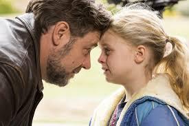Padri e figlie: Russell Crowe e Kylie Rogers in una scena del film diretto  da Gabriele Muccino: 409636 - Movieplayer.it