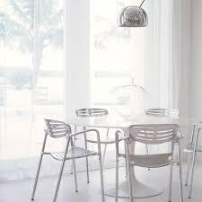 saarinen round dining table 1