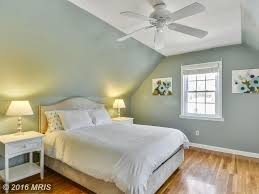 bedroom decor ceiling fan. Impressive Photo Of Cottage Guest Bedroom With Hardwood Floors Ceiling Fan Cathedral Design Ideas Photos Remodels Zillow Digs Ispfqszfa.jpg Small Decor I