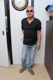 Sanjay Misra promote For Film Kadvi Hawa on 16th Nov 2017 / Sanjay Mishra -  Bollywood Photos
