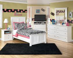 Black Carpet For Bedroom Superb Black Carpet For Teenage Bedroom With Zebra Bedspread For